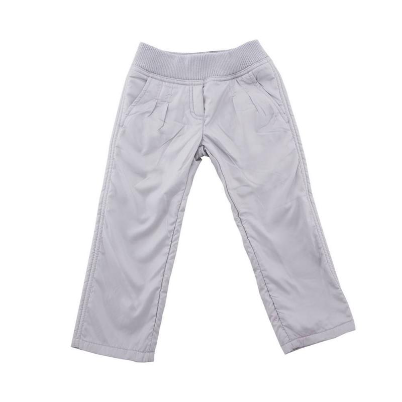БрюкиБрюки серого цвета марки Button Blue для девочек.<br>Теплые брюки на подкладке декорированы имитацией ширинки и принтом с надписью бренда. Изделие дополнено передними и задними карманами. Пояс на широкой резинке с завязками на внутренней стороне.<br><br>Размер: 11 лет<br>Цвет: Серый<br>Рост: 146<br>Пол: Для девочки<br>Артикул: 633660<br>Страна производитель: Китай<br>Сезон: Осень/Зима<br>Состав: 100% Полиэстер<br>Бренд: Россия