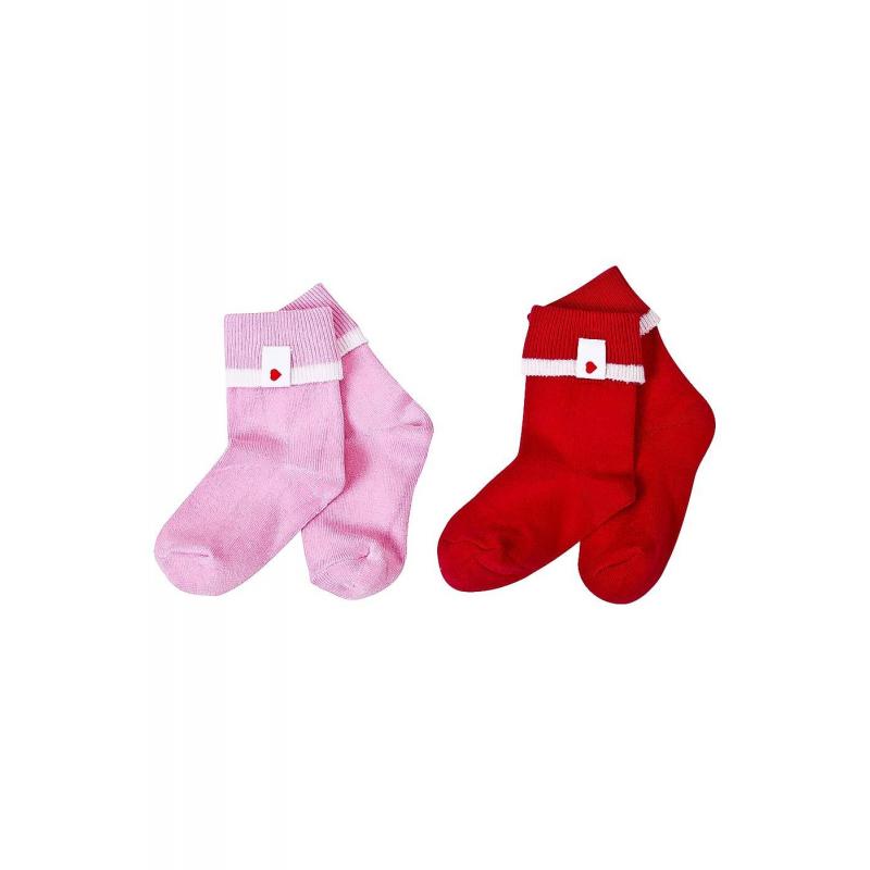 Комплект носков 2 парыКомплект носков 2парыкрасногоцветамарки Reima длядевочек.<br>В комплект входит две пары хлопковых носочков с отворотами,украшенными нашивками с изображениями милых сердечек. Благодаря эластану в составе, носочки хорошо сидят и не причиняют дискомфорт.<br><br>Размер: 3 месяца<br>Цвет: Красный<br>Рост: 62<br>Пол: Для девочки<br>Артикул: 645656<br>Бренд: Финляндия<br>Страна производитель: Китай<br>Сезон: Всесезонный<br>Состав: 75% Хлопок, 22% Полиэстер, 3% Эластан<br>Серия: Reima