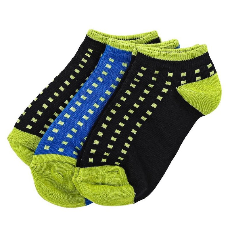 Комплект носков 3 парыКомплект носков 3 пары зеленого цвета марки INCITYдля мальчиков.<br>Набор состоит из двух пар черного цвета и одной синей пары, пяточкии мыски - зеленого цвета, а на поверхности каждого носка - в три ряда мелкие зеленые квадратики. В составе хлопковых носков присутсвуют элатстан и полиэстер, которые делают изделие прочным и эластичным.<br><br>Размер: 9 лет<br>Цвет: Зеленый<br>Пол: Для мальчика<br>Артикул: 644949<br>Бренд: Россия<br>Страна производитель: Китай<br>Сезон: Всесезонный<br>Состав: 75% Хлопок, 22% Полиэстер, 3% Эластан