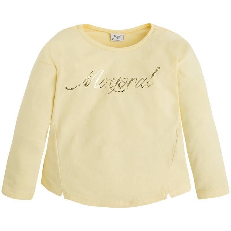 Футболка с длинным рукавомФутболка желтого цвета марки Mayoral для девочек.<br>Хлопковая футболка с длинным рукавом декорирована надписью из пайеток.<br><br>Размер: 5 лет<br>Цвет: Желтый<br>Рост: 110<br>Пол: Для девочки<br>Артикул: 645738<br>Страна производитель: Китай<br>Сезон: Весна/Лето<br>Состав: 95% Хлопок, 5% Эластан<br>Бренд: Испания