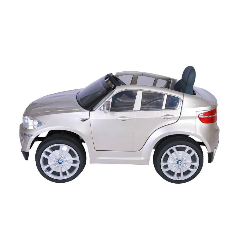 Электромобиль BMW X6Электромобиль BMW X6бежевогоцвета марки RT.<br>Стильный электромобиль нарадиоуправлении выполнен в стиле автомобиляBMW X6 и является его точной копией. Машина оснащена открывающимися дверьми, голубой неоновой подсветкой на приборной панели и в салоне, боковыми зеркалами, лобовым стеклом, рулем и стильными хромированными дисками с логотипом. Конструкция имеет мягкие и бесшумные колеса, изготовленные из пластика с добавлением латекса. Фары автомобиля с подсветкой, которая может меняться под музыку. Для музыки есть вход для мобильного телефона иМРЗ, есть регулировка громкости.Кузов электромобиля имеет мерцающую металлическую покраску.<br>Ребенок с легкостью сможет завести автомобиль с помощью кнопки на панели, раздастся звук зажигания и машина готова к увлекательным играм. А движение модели происходи благодаря педалям. Машина может ездить по двум направлениям - вперед и назад, также имеет возможность переключения скоростей, а максимальная скорость составляет3-5 км\ч. Благодаря дистанционному управлению можно управлять машиной находясь на расстоянии, при этом машина едет вперед-назад и вправо-влево.<br>Батарейки6V7Ahx2, зарядка12V1000mA. У машины 2 двигателя, 2аккумулятора.<br>Комплектация:зарядное устройство, аккумулятор.<br>Размеризделия: 117х73,5х59 см.<br>Размер упаковки: 120х64х44 см.<br>Максимальная нагрузка: 30 кг.<br>Вес изделия: 17,1 кг.<br><br>Цвет: Бежевый<br>Возраст от: 3 года<br>Пол: Не указан<br>Артикул: 650180<br>Страна производитель: Китай<br>Бренд: Россия<br>Размер: от 3 лет
