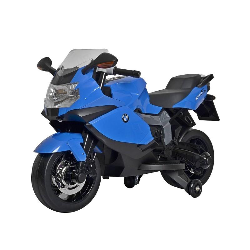 Электромотоцикл BMW RTЭлектромотоцикл BMW RTсинегоцвета марки RT.<br>Стильный электромотоцикл выполнен в стиленастоящего мотоциклаBMW RTи является его точной копией. Аккумуляторный мотоцикл оснащен дополнительными небольшими колесами, выполненными из силикона. Максимальная скорость может быть3-4 км\ч, всего три скорости, которые можно переключать. Модель имеет комфортное сиденье, переднюю фару, которая светится, а также ветровое стекло. Ребенок с легкостью сможет завести мотоциклс помощьюключа.А движение модели происходи благодаря педалям.Мотоцикл может ездить по двум направлениям - вперед и назад, а руль поворачивается влево-вправо.<br>Кузов выполнен из полипропилена, этот материал прочен и долговечен. Модель имеет звуковые и световые эффекты (фара, приборная панель).<br>Общее время работы: 2 часа.<br>Комплектация:зарядное устройство 220В, аккумуляторная батарея 2х6V - 7АH.Мотор 30W.<br>Размеризделия: 104,5х32,5х63,5 см.<br>Размер упаковки: 126х33х65 см.<br>Максимальная нагрузка: 35 кг.<br>Вес изделия: 12,06 кг.<br><br>Цвет: Синий<br>Возраст от: 3 года<br>Пол: Для мальчика<br>Артикул: 650184<br>Страна производитель: Китай<br>Бренд: Россия<br>Размер: от 3 лет