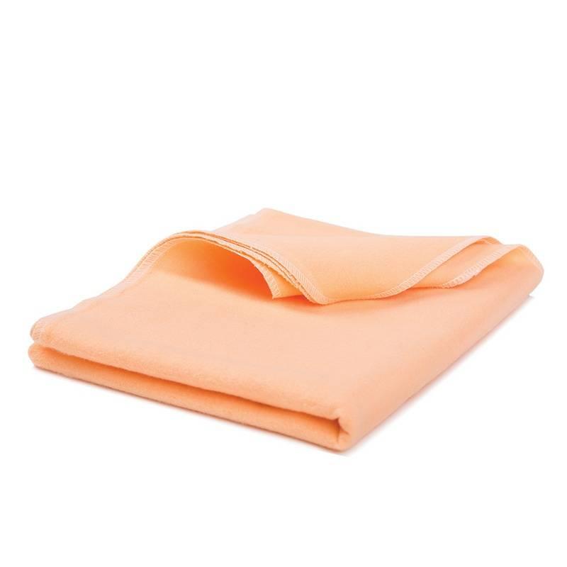 ПелёнкаПелёнка оранжевогоцвета марки Babydays длямалышей.<br>Фланелевые пелёнки являются незаменимым помощником в бережном ежедневном уходе за малышом. Пелёнки изготовлены из качественной фланели (плотность материала составляет 180 гр/м), имеют мягкую и приятную фактуру. Пелёнки очень практичны и многофункциональны. Их можно использовать в качестве простыни в кроватку или в качестве полотенца. Пелёнки хорошо впитывают влагу, согревают и дарят комфорт малышу.<br>Размер: 85х120 см. Рекомендуемая стирка при 40С.<br><br>Цвет: Оранжевый<br>Пол: Не указан<br>Артикул: 652054<br>Бренд: Россия<br>Страна производитель: Китай<br>Сезон: Всесезонный<br>Состав: 100% Хлопок<br>Размер: Без размера