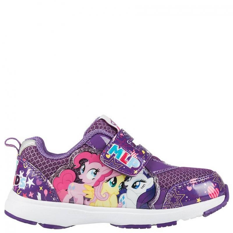 КроссовкиКроссовки фиолетовогоцвета марки Kakadu для девочек.Модель украшена изображениями в стиле My Little Pony. Основной цвет - фиолетовый, принт - разноцветный. Подошва - толстая, белого цвета.Сделана обувь из качественной синтетической кожи, с включениями текстиля, которые позволяют ноге дышать. Подошва - из легкого и очень легкого и прочного материала, который позволяет ребенку чувствовать себя комфортно при ходьбе.<br><br>Размер: 26<br>Цвет: Фиолетовый<br>Пол: Для девочки<br>Артикул: 644540<br>Страна производитель: Китай<br>Сезон: Весна/Лето<br>Материал верха: Текстиль / Иск. кожа<br>Материал подкладки: Текстиль<br>Материал подошвы: ТПР (термопластичная резина)<br>Лицензия: My Little Pony