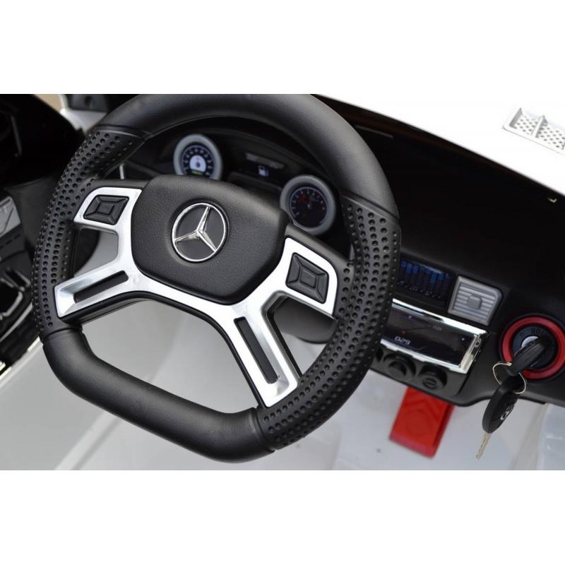 Электромобиль Mercedes-Bens МL63 AMG от Nils