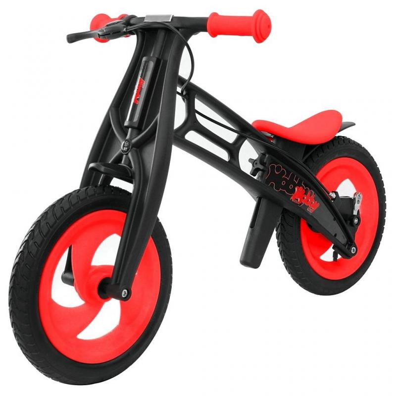 Велобалансир-беговел Hobby-bike RT original Fly B Черная оса RedВелобалансир-беговел Hobby-bike RT original Fly B Черная оса Redмарки RT.<br>Яркий велобалансир-беговелFly имеет отличительную особенность - низкое расположение сиденья - 30,5 см. Можно снять пластиковые детали и установить сиденье на высоту в 42 см. Стильная модель оснащена эргономичным нескользящим сиденьем, выполненным из силикона. Регулируемое сиденье мягкое и комфортное, ребенку на нем будет удобно и безопасно.<br>Угол поворота у руля сделан максимально безопасным и с таким рулем обеспечивается маневренность, не позволяющая беговелу упасть. Модель с надувными колесамис протектором волна, обеспечивающимихорошую проходимость и максимальное сцепление с дорой, а ручной тормоз отвечает за безопасность при разгоне.<br>Стильный велобалансир-велосипед не оставит ребенка равнодушным. С этой моделью ваш ребенок проведет время весело и с пользой.<br>Размер изделия: 83х54х42см.<br>Размер упаковки:68,5х17х35 см.<br>Высота сиденья: минимальная - 30,5см, а максимальная - 42см.<br>Максимальная нагрузка: 50 кг.<br><br>Цвет: Красный<br>Возраст от: 2 года<br>Пол: Не указан<br>Артикул: 650310<br>Бренд: Россия<br>Размер: от 2 лет