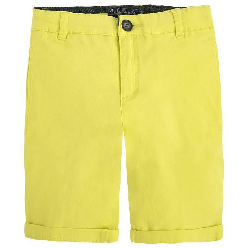ШортыШорты жёлтого цветамарки Mayoralдля мальчиков.<br>Яркие шорты выполнены из хлопка с добавлением эластана, застёгиваются на молнию и пуговицу. Модель декорирована стильными отворотами, а также дополнена передними и задними карманами на пуговицах. Шорты имеют шлёвки для ремня и регулируемую кулиску на талии.<br><br>Размер: 12 лет<br>Цвет: Желтый<br>Рост: 152<br>Пол: Для мальчика<br>Артикул: 646995<br>Страна производитель: Бангладеш<br>Сезон: Весна/Лето<br>Состав: 98% Хлопок, 2% Эластан<br>Бренд: Испания