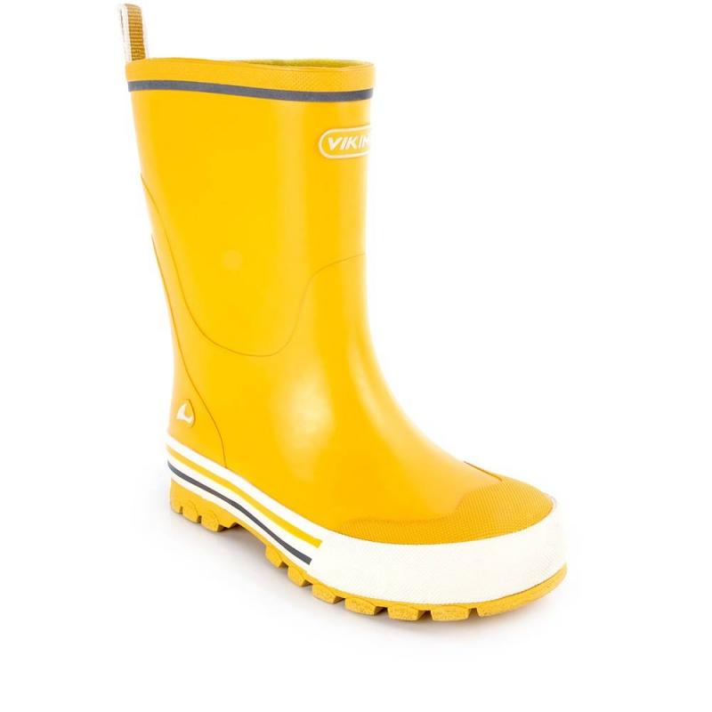 Резиновые сапогиРезиновые сапоги желтого цвета марки Viking.<br>Износостойкие сапоги дополнены белой подошвой с контрастными полосками, а также текстильной подкладкой. Модель оснащена светоотражающими элементами для безопасности ребенка в темное время суток.<br><br>Размер: 34<br>Цвет: Желтый<br>Пол: Не указан<br>Артикул: 644653<br>Страна производитель: Китай<br>Сезон: Весна/Лето<br>Материал верха: Резина<br>Материал подкладки: Текстиль<br>Материал стельки: Текстиль<br>Материал подошвы: Резина<br>Бренд: Норвегия