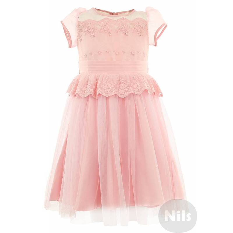 ПлатьеНарядное розовое платье с кружевом марки SILVER SPOON Ceremony. Платье из нежно-розового атласа украшено воздушным тюлем, кружевом и бусинами. Полупрозрачный верх платья выполнен изорганзы, рукава-фонарики хорошо держат форму. Атласный пояс завязывается пышным бантом сзади. Подкладка из стопроцентного хлопка. Платье застегивается на потайную молнию на спинке.<br><br>Размер: 3 года<br>Цвет: Розовый<br>Рост: 98<br>Пол: Для девочки<br>Артикул: 605520<br>Страна производитель: Китай<br>Сезон: Всесезонный<br>Состав: 100% Полиэстер<br>Состав подкладки: 100% Хлопок<br>Бренд: Россия