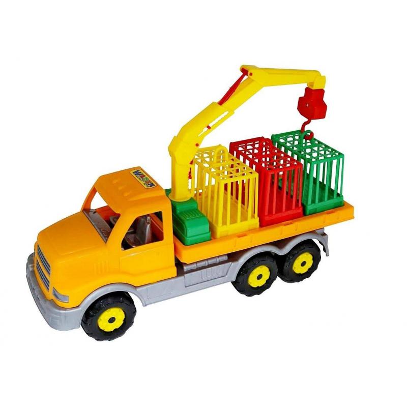 Сталкер для перевозки зверейСталкер для перевозки звереймарки Wader.<br>Большая яркая игрушка станет отличным подарком для ребенка.В набор включается поворотный манипулятор с крюком, с его помощью можно подцепить клеткии загружать их на автомобиль. Вмешается на платформу 3 клетки для животных.<br>Машинавыполнена из красочного и прочного пластика. Такую игрушку можно брать с собой на улицу или играть с ней дома.<br>Размер упаковки: 47,5x16,5x25,5 см.<br>Размер игрушки: 47,5x16,5x25,5 см.<br>Рекомендуется для детей от 2 лет.<br><br>Возраст от: 2 года<br>Пол: Для мальчика<br>Артикул: 650417<br>Бренд: Германия<br>Размер: от 2 лет