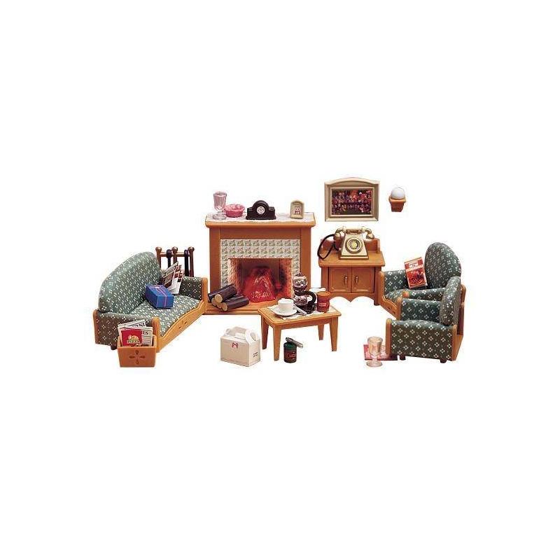 Набор Гостиная DeluxeНабор Гостиная Deluxe марки Sylvanian Families.<br>В набор входит: диван, два кресла, стол, тумбочка, камин с подсветкой, старинный телефон, подставка для кочерги, полена, журналы, посуда и аксессуары.<br><br>Возраст от: 4 года<br>Пол: Для девочки<br>Артикул: 653058<br>Бренд: Япония<br>Страна производитель: Китай<br>Размер: от 4 лет