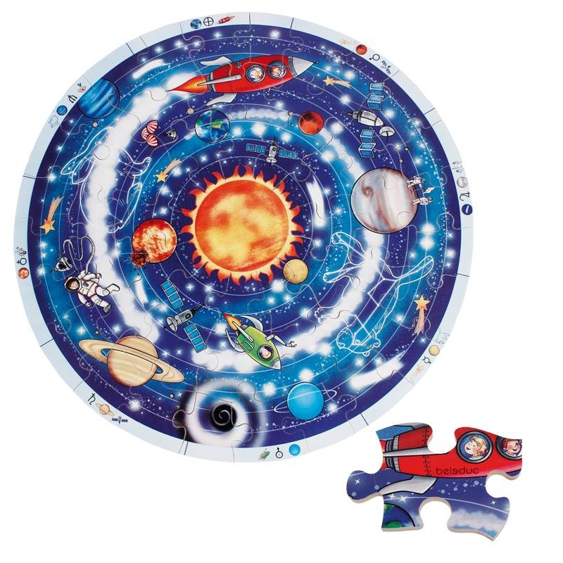 XXL развивающий пазл ПланетыXXL развивающий пазл Планетымарки Beleduc.<br>Задавались ли вы когда-нибудь вопросом, что еще есть в небесах, кроме солнца, луны и звезд? Почему солнце видно только днем, а луну - только ночью? Почему месяц изменяет свою форму? И каким образом на небе возникают звезды? Наш обучающий пазл Солнечная система размера XXL поможет вам ответить на эти вопросы и познакомиться с устройством всей Солнечной системы.<br>Круглый деревянный пазл, включает 49 частей.<br>Материал: береза.<br><br>Возраст от: 3 года<br>Пол: Не указан<br>Артикул: 657071<br>Страна производитель: Китай<br>Бренд: Германия<br>Размер: от 3 лет<br>Материал: Дерево