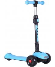Самокат трёхколёсный со светящимися колесами Black Aqua