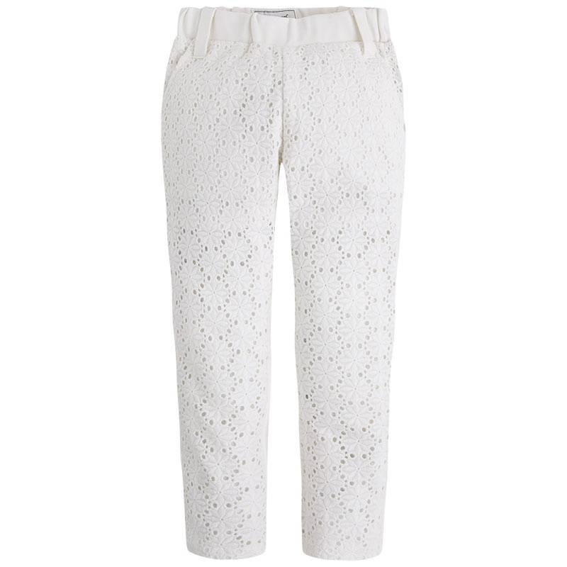 БрюкиБрюки молочногоцвета марки Mayoral для девочек.<br>Хлопковые брюки с удобной резинкой на талии декорированы нежными кружевными вставками и выгодно подчеркнуты золотистой фурнитурой. Модель дополнена передними и задними карманами, а также шлевками для ремня.<br><br>Размер: 6 лет<br>Цвет: Бежевый<br>Рост: 116<br>Пол: Для девочки<br>Артикул: 647410<br>Страна производитель: Китай<br>Сезон: Весна/Лето<br>Состав: 50% Хлопок, 30% Вискоза, 18% Полиамид, 2% Эластан<br>Бренд: Испания