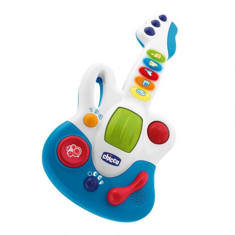 Гитара Маленькая звездочкаГитара Маленькая звездочка маркиChicco.<br>Электронная гитара имеет 3 пользовательских режима и 3 музыкальных жанра (рок, блюз и регги), а также дополнена специальным режимом оркестра, при котором дети могут добавлять или исключать инструменты, чтобы найти мелодию, которая им больше нравится. В игрушке есть 15 коротких музыкальных тем в 3 разных жанрах, 15 записанных мелодий во всех 3 разных жанрах, а также 3 функции микшера (перкуссии, вибрация, ускорение ритмов), чтобы индивидуализировать записанные мелодии.<br><br>Возраст от: 12 месяцев<br>Пол: Не указан<br>Артикул: 653499<br>Бренд: Италия<br>Размер: от 12 месяцев