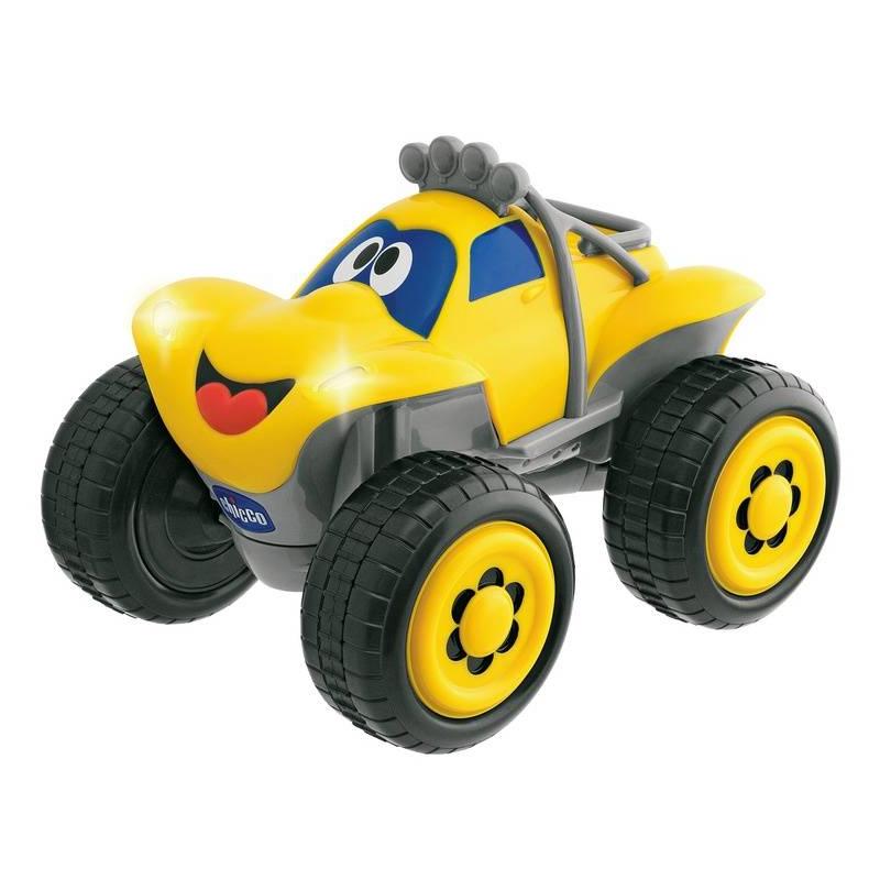 Машинка Билли большие колесаМашинка Билли большие колеса желтогоцвета маркиChicco.<br>Машинка с пультом дистанционного управления в форме руля, который при повороте вправо или влево заставляет машину менять направление. Когда Билли разгоняется, включаются передние фары и ревет мотор, при движении назад загораются задние фары и слышен сигнал, предупреждающий о заднем ходе. Игрушка дополнена звуками сигнала и настоящего мотора.<br><br>Цвет: Желтый<br>Возраст от: 2 года<br>Пол: Для мальчика<br>Артикул: 653507<br>Бренд: Италия<br>Размер: от 2 лет
