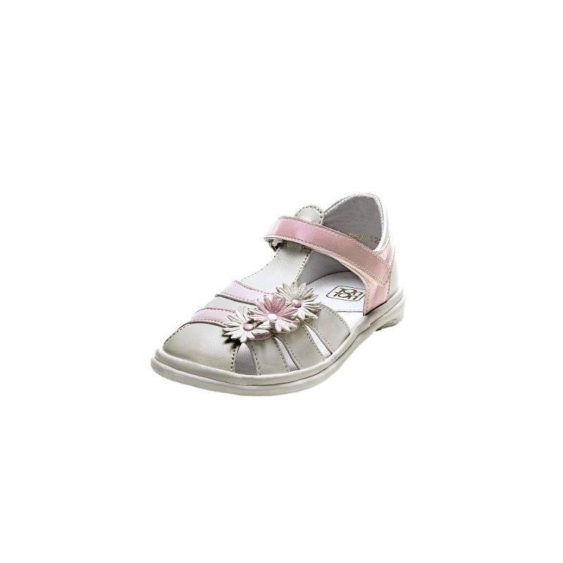 СандалетыСандалеты розовогоцвета марки Топ-Топдлядевочек.<br>Стильные лакированные сандалеты на липучке выгодно подчеркнуты вставками белогоцвета, а также милыми цветочками.Подошва из ТЭП легкая и упругая,такжеимеет высокую стойкость к истиранию, такая обувь прослужит долго. Стелька из натуральной кожи позволяет ножкам дышать и отличается исключительной мягкостью.<br><br>Размер: 30<br>Цвет: Розовый<br>Пол: Для девочки<br>Артикул: 647723<br>Бренд: Россия<br>Страна производитель: Россия<br>Сезон: Весна/Лето<br>Материал верха: Искусственная кожа<br>Материал стельки: Натуральная кожа<br>Материал подошвы: ТЭП (термопластик)