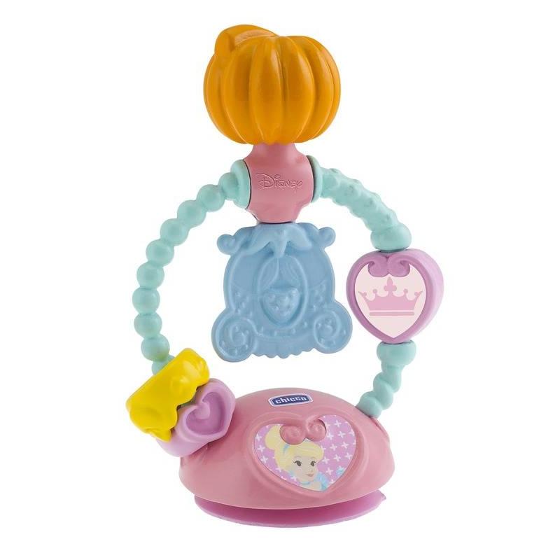 Игрушка для стульчика ЗолушкаИгрушка для стульчика Золушка маркиChicco.<br>Игрушку можно поставить на стул для кормления, она увлечет малышку и поможет развить мелкую моторику. Ребенку будет интересно вращать часики, перемещать вверх-вниз корону и кольцо, вертеть тыкву и карету, которые издают звенящие звуки. Благодаря практичной присоске игрушка надежно крепится на стульчике для кормления.<br><br>Возраст от: 6 месяцев<br>Пол: Для девочки<br>Артикул: 653544<br>Бренд: Италия<br>Лицензия: Disney<br>Размер: от 6 месяцев