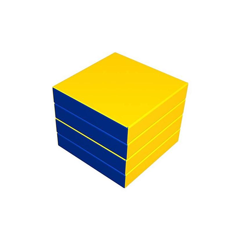 Комплект складнойКомплект складноймаркиRomana.<br>Спортивные комплексы всегда помогают ребенку быть в тонусе и развиваться физически, а также весело проводить время. Большой складной матможет трансформироваться вразные формы: квадрат, треугольник и куб, его легко складывать и хранить. Матпредназначен для детейдошкольного и школьного возраста. Яркий мат будет хорошим дополнением в игровые комнаты.<br>Размеры в сложенном виде: 400Х400Х400 см.<br>Габариты: 1000Х1000Х1000 см.<br><br>Возраст от: 2 года<br>Пол: Не указан<br>Артикул: 634242<br>Бренд: Россия<br>Размер: от 2 лет