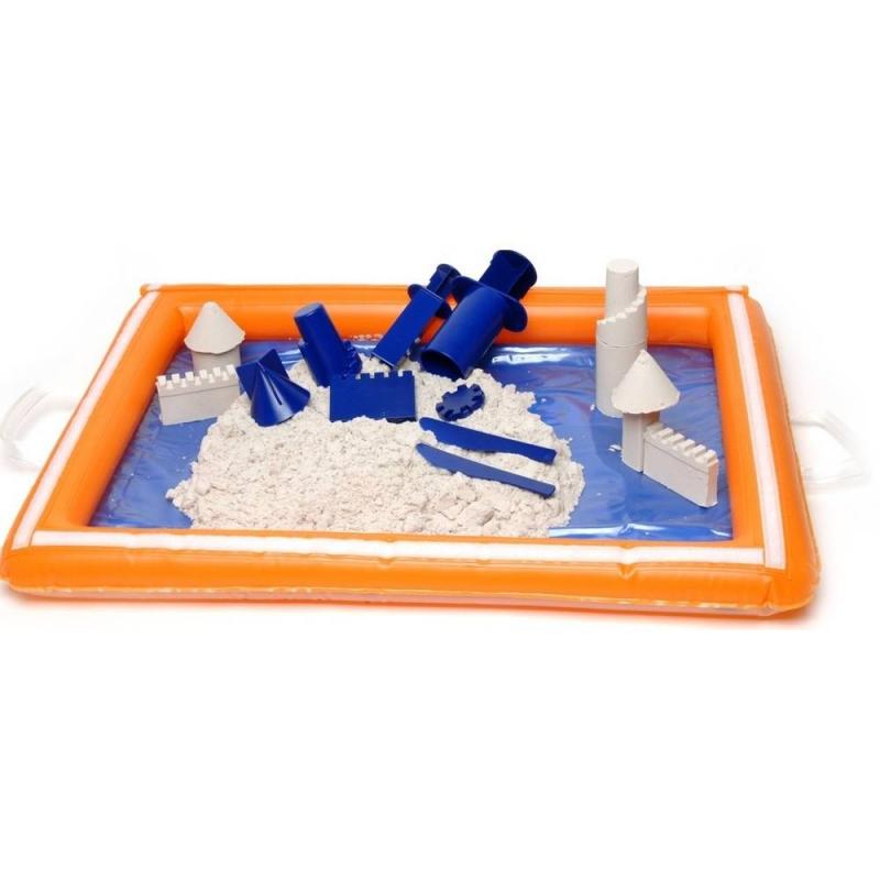 Надувная песочницаНадувная песочницаоранжевого цвета марки WABA FUN.<br>С удобной надувной песочницей можно спокойно играть и заниматься с кинетическим песком. Яркую песочницу удобно хранить и носить собой, остаточно просто надуть или сдуть ее.<br>Размер: 18х2х21 см.<br><br>Возраст от: 3 года<br>Пол: Не указан<br>Артикул: 658105<br>Бренд: Швеция<br>Размер: от 3 лет