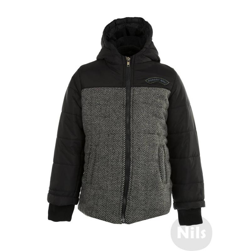 КурткаДемисезонная куртка черногоцвета марки NANICA для мальчиков. Куртка с капюшоном имеет слегка удлиненную спинку, два кармана, трикотажные манжеты на рукавах. Спереди отделка из мягкого материала под твид. Внутри флисовая подкладка. Куртка украшена нашивкой на груди.<br><br>Размер: 7 лет<br>Цвет: Черный<br>Рост: 122<br>Пол: Для мальчика<br>Артикул: 605949<br>Страна производитель: Турция<br>Сезон: Всесезонный<br>Состав: 100% Полиэстер<br>Состав подкладки: 100% Полиэстер<br>Бренд: Турция<br>Наполнитель: 100% Полиэстер