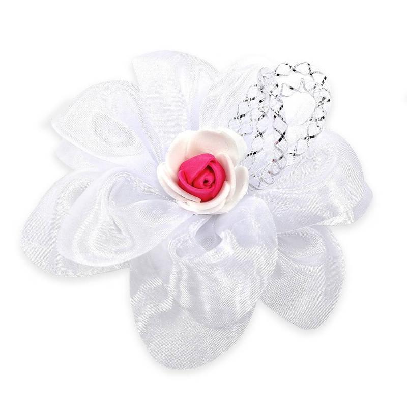 БантШкольныйбант малиновогоцвета марки Arco Carino.<br>Стильный бант ручной работы выполнен в форме цветка, а также украшен органзой и милой розочкой в центре. Модель крепится на волосы с помощью удобной эластичной резинки. Бант украсит прическуидополнит праздничный образ.<br>Диаметр: 12 см.<br><br>Цвет: Малиновый<br>Пол: Для девочки<br>Артикул: 647771<br>Страна производитель: Россия<br>Состав: 100% Нейлон<br>Бренд: Россия<br>Размер: Без размера