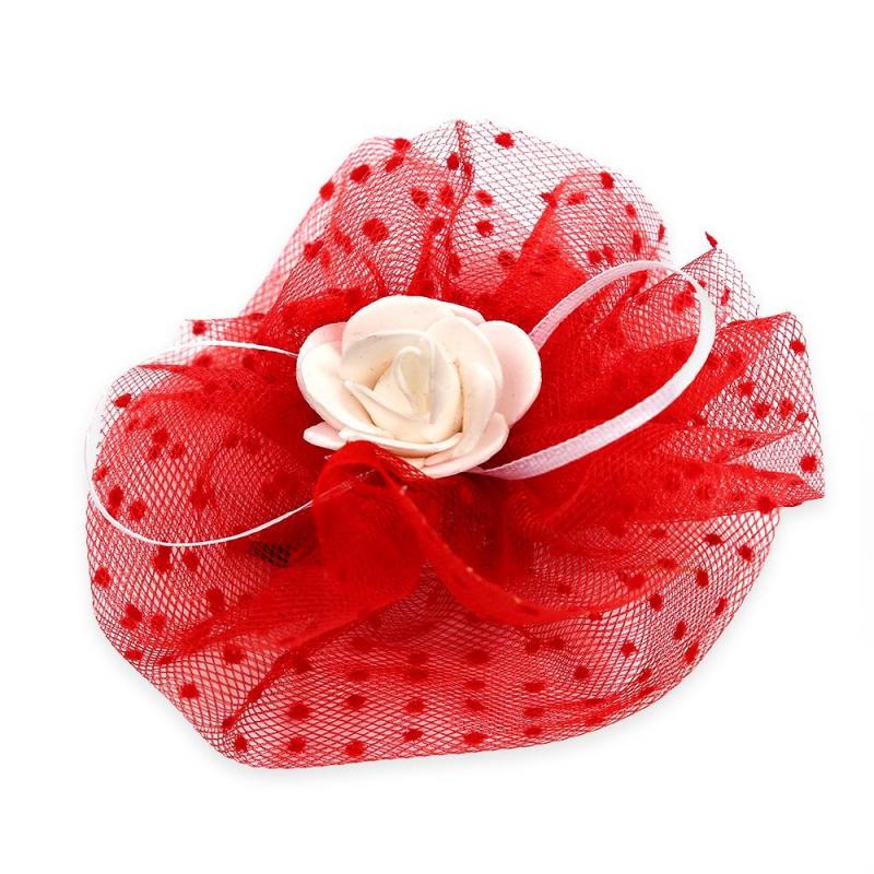 БантПраздничныйбант красногоцвета марки Arco Carino.<br>Бант ручной работы выполнен из фатина, а также украшен милой розочкойпо центру и тонкими лентами. Модель крепится на волосы с помощью удобной эластичной резинки. Бант украсит прическу и дополнит праздничный образ.<br>Диаметр: 12 см.<br><br>Цвет: Красный<br>Пол: Для девочки<br>Артикул: 647799<br>Страна производитель: Россия<br>Бренд: Россия<br>Размер: Без размера