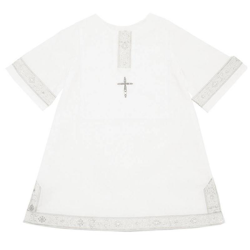 Рубашка крестильнаяРубашкакрестильная серебряногоцвета марки Ангел мой. <br>Мягкая рубашка выполненаиз качественного перкаля -длинноволокнистого мягкого полотна, которое приятно прилегает к коже и не вызывает раздражений. Модель в старорусском стиле дополнена длинным широким подолом, свободными рукавами и воротом с традиционным вырезом. Рубашечка декорирована жаккардовой тесьмой с растительным орнаментом, а также вышивкой серебряной нитью в виде креста со стразами.<br>Состав: перкаль (100% хлопок).<br><br>Размер: 12 месяцев<br>Цвет: Серый<br>Рост: 80<br>Пол: Не указан<br>Артикул: 640518<br>Страна производитель: Россия<br>Сезон: Всесезонный<br>Состав: 100% Хлопок<br>Бренд: Россия