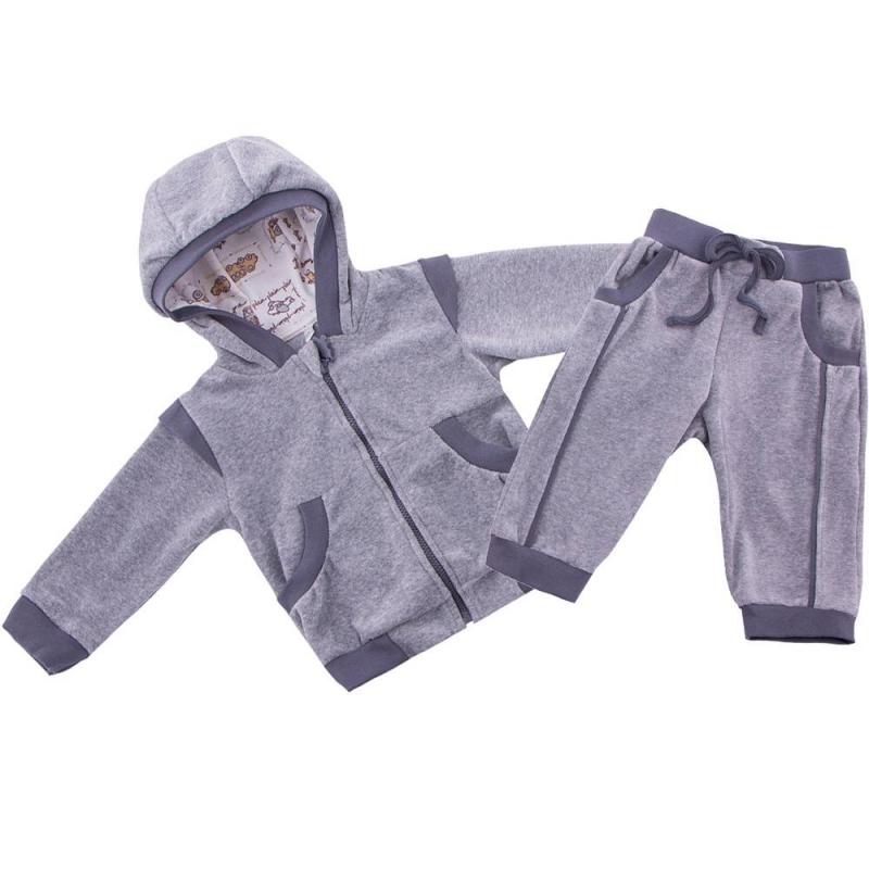КомплектКомплект толстовка+брюки серого цвета маркиSoniKids длямальчиков.<br>Велюровый комплект включает в себя толстовку и брюки. Толстовка на молнии декорирована темно-серыми вставками и дополнена небольшими карманами. Удобные брюки с карманами и эластичной широкой резинкой на поясе украшены темно-серыми вставками.<br><br>Размер: 9 месяцев<br>Цвет: Серый<br>Рост: 74<br>Пол: Для мальчика<br>Артикул: 647848<br>Страна производитель: Россия<br>Сезон: Осень/Зима<br>Состав: 80% Хлопок, 20% Полиэстер<br>Бренд: Россия<br>Вид застежки: Молния
