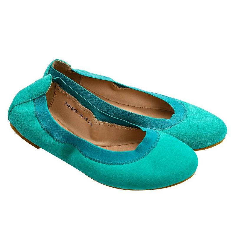 ТуфлиТуфлизеленогоцвета марки Antilopa для девочек.<br>Яркие замшевые туфли выполненыиз натуральной кожи дополнены эластичной резинкой. Прочная износостойкая резиноваяподошва не скользит. Летняямодель дополнит повседневный образ юной модницы.<br><br>Размер: 37<br>Цвет: Зеленый<br>Пол: Для девочки<br>Артикул: 648506<br>Бренд: Россия<br>Страна производитель: Китай<br>Сезон: Весна/Лето<br>Материал верха: Натуральная замша<br>Материал подкладки: Натуральная кожа<br>Материал стельки: Натуральная кожа<br>Материал подошвы: Резина