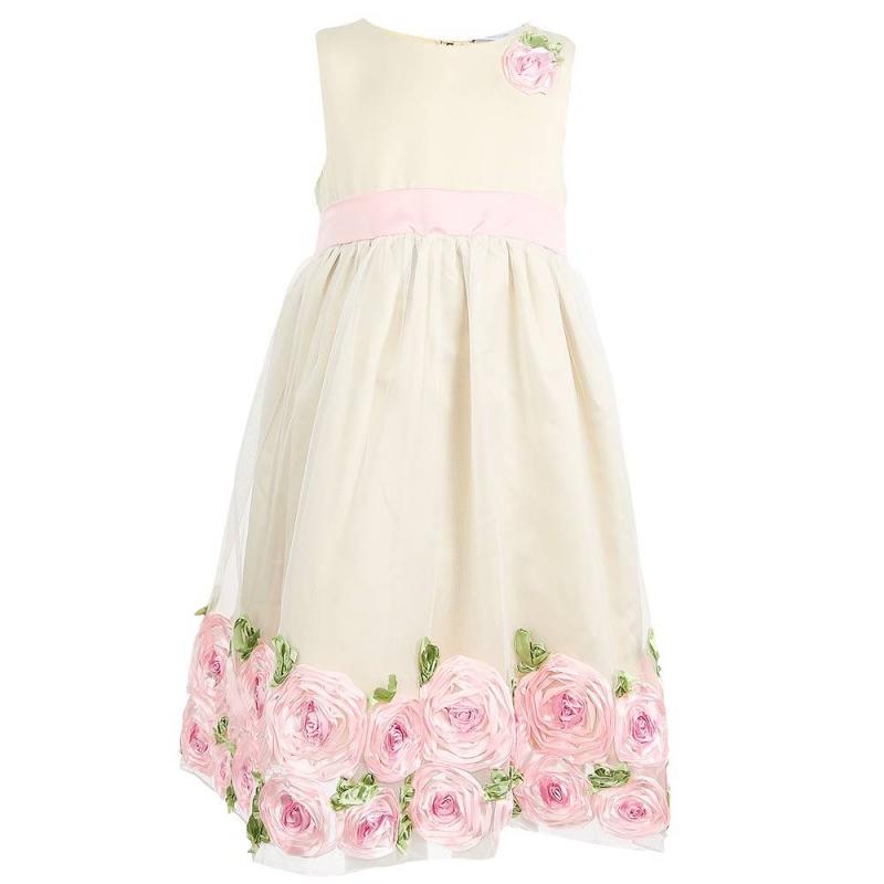 ПлатьеПлатье молочногоцвета маркиSweet Berry.<br>Праздничное платьевыполненоиз мягкой ткани, дополненоподъюбником из плотного фатина и хлопковой подкладкой. Пышнаямногослойная юбочка декорирована тонким нежным полупрозрачным фатином. Топ с широкими бретелями и подол платья украшены милыми объёмными цветочками. Пояс завязывается в бант. Платье застёгивается на потайнуюмолнию на спине.<br><br>Размер: 4 года<br>Цвет: Бежевый<br>Рост: 104<br>Пол: Для девочки<br>Артикул: 648966<br>Бренд: Россия<br>Страна производитель: Китай<br>Сезон: Всесезонный<br>Состав верха: 100% Полиэстер<br>Состав подкладки: 100% Хлопок