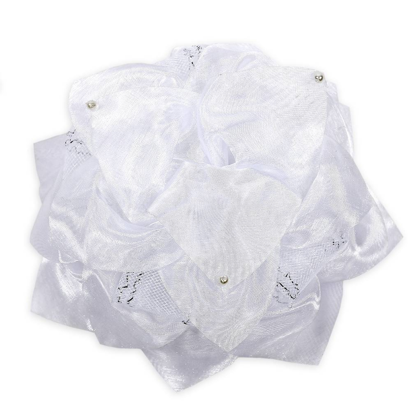 БантШкольный бант белогоцвета марки Arco Carino.<br>Пышный бант ручной работы выполнен в форме цветка с лепестками из органзы, а также украшен бусинами и плотной сеточкой. Модель крепится на волосы с помощью удобной эластичной резинки. Стильныйбант украсит прическуидополнит праздничный образ.<br>Диаметр: 17 см.<br><br>Цвет: Белый<br>Пол: Для девочки<br>Артикул: 647805<br>Бренд: Россия<br>Страна производитель: Россия<br>Состав: 100% Нейлон<br>Размер: Без размера