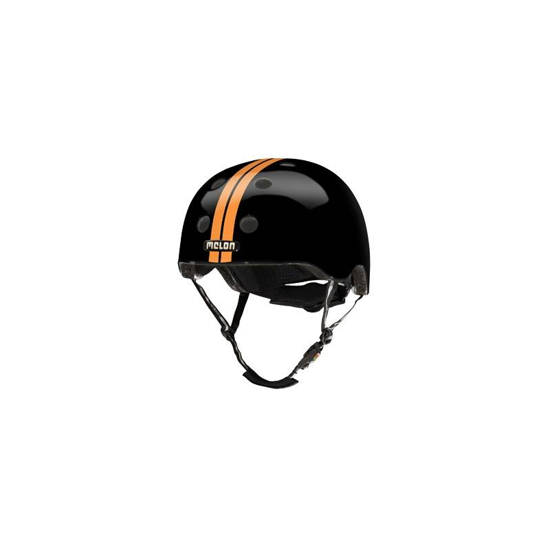 Шлем Straight Orange BlackШлем Straight Orange Blackоранжевогоцвета марки Melon.<br>Шлем обладает рядом важных преимуществ:- Внутри шлема расположены съемные прокладки Coolmax. Они изготовлены из мягкого пенообразующего материала, что обеспечивает отличный влагообмен и гигиеническую чистоту, т.к. прокладки можно стирать при 30°С.- Шлем оснащен запатентованной системой вентиляции MACS Melon, которая состоит из воздушных каналов и 12 вентиляционных отверстий.- Для безопасной и удобной посадки шлема используется запатентованная система Spin Dial. Она представляет собой кольцо и направляющие, с помощью которых происходит идеальная регулировка посадки. Система съемная.- Внутренняя оболочка сочетает в себе повышенную ударопрочность и вместе с тем суперлегкость. Шлем оснащен интегрированными ремнями, обладающими высокой прочностью при растяжении.- Запатентованная магнитная пряжка Fidlock позволяет с легкостью застегнуть ремни шлема одной рукой.- Вес шлема 250 грамм (*без съемной системы Spin Dial).- Высокая степень безопасности достигается также при помощи светоотражающих вставок в ремнях, стикерах и логотипах на поверхности шлема.<br>Размеры:S – окружность головы 46-52 см.L – окружность головы 52-58 см.XXL – окружность головы 58-63 см.<br><br>Цвет: Оранжевый<br>Размер: Без размера<br>Пол: Не указан<br>Артикул: 677242<br>Бренд: Германия<br>Страна производитель: Китай
