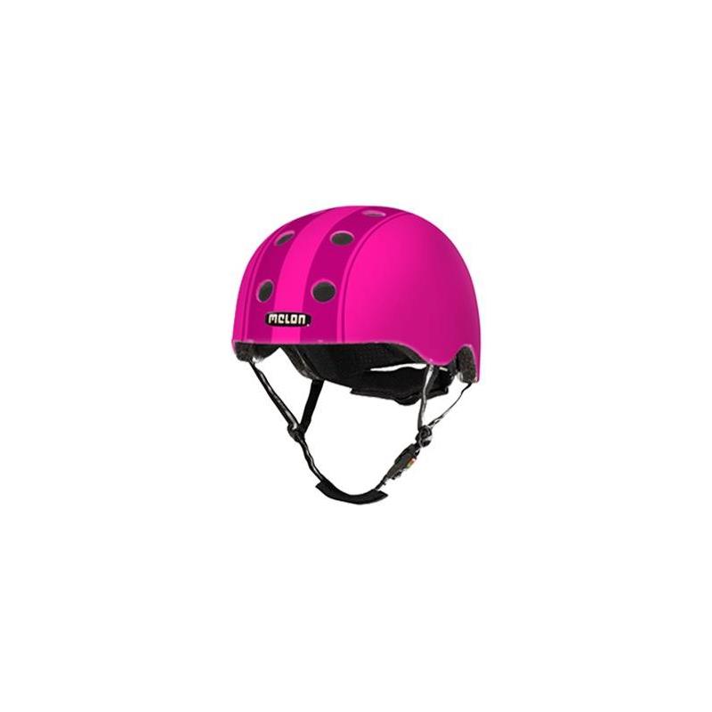 Шлем Decent Double PurpleШлем Decent Double Purple малиновогоцвета марки Melon для девочек.<br>Шлем обладает рядом важных преимуществ:- Внутри шлема расположены съемные прокладки Coolmax. Они изготовлены из мягкого пенообразующего материала, что обеспечивает отличный влагообмен и гигиеническую чистоту, т.к. прокладки можно стирать при 30°С.- Шлем оснащен запатентованной системой вентиляции MACS Melon, которая состоит из воздушных каналов и 12 вентиляционных отверстий.- Для безопасной и удобной посадки шлема используется запатентованная система Spin Dial. Она представляет собой кольцо и направляющие, с помощью которых происходит идеальная регулировка посадки. Система съемная.- Внутренняя оболочка сочетает в себе повышенную ударопрочность и вместе с тем суперлегкость. Шлем оснащен интегрированными ремнями, обладающими высокой прочностью при растяжении.- Запатентованная магнитная пряжка Fidlock позволяет с легкостью застегнуть ремни шлема одной рукой.- Вес шлема 250 грамм (*без съемной системы Spin Dial).- Высокая степень безопасности достигается также при помощи светоотражающих вставок в ремнях, стикерах и логотипах на поверхности шлема.<br>Размеры:S – окружность головы 46-52 см.L – окружность головы 52-58 см.XXL – окружность головы 58-63 см.<br><br>Цвет: Малиновый<br>Размер: Без размера<br>Пол: Для девочки<br>Артикул: 677276<br>Страна производитель: Китай<br>Бренд: Германия