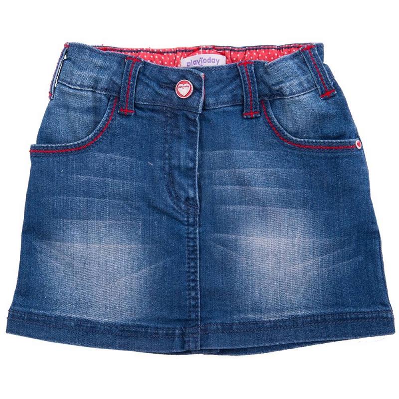 ЮбкаЮбка синегоцветамарки Playtoday.<br>Модная джинсовая юбка выполнена из хлопка с добавлением эластана, застёгивается на молнию и пуговицу. Модель дополнена удобной широкой резинкой на поясе, шлёвками для ремня, передними и задними карманами, а также регулируемой кулиской на талии. Юбочка с эффектом потёртости украшена контрастной строчкой, клёпками с сердечками и небольшой нашивкой с изображением цветка.<br><br>Размер: 8 лет<br>Цвет: Синий<br>Рост: 128<br>Пол: Для девочки<br>Артикул: 649611<br>Страна производитель: Китай<br>Сезон: Весна/Лето<br>Состав: 98% Хлопок, 2% Эластан<br>Бренд: Германия