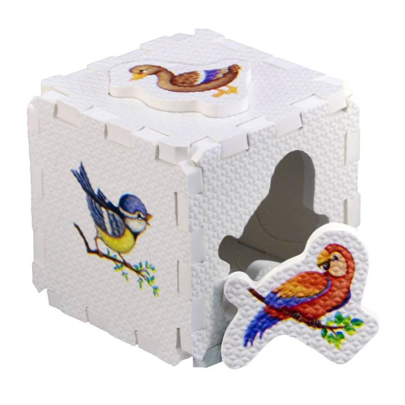 Развивающий кубик-пазл ПтицыРазвивающий кубик-пазл Птицы марки Робинс.<br>Развивающий набор включает в себя 6 больших деталей с изображениемразнообразных птиц, из которых собирается кубик. С развивающим пазлом ребенок развивает мелкую моторику, мышление, внимание. Детали хорошо крепятся друг другу и их можно комбинировать с деталями из других наборов.<br>Элементы выполнены изгипоаллергенного материала ЭВА (EVA).<br>Комплектация: 6 элементов.<br>Рекомендовано для детей от 1 года.<br><br>Возраст от: 12 месяцев<br>Пол: Не указан<br>Артикул: 701059<br>Страна производитель: Китай<br>Бренд: Россия<br>Размер: от 12 месяцев<br>Количество деталей: до 50<br>Тематика: Обучающие