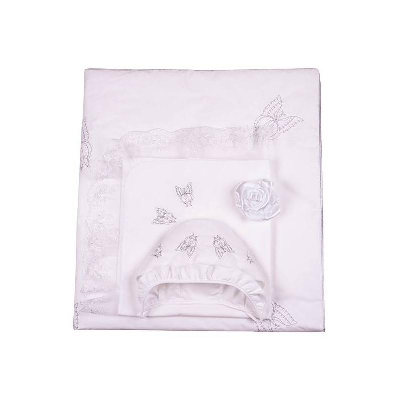 Комплект на выписку Бабочка 7 предметовКомплект на выписку Бабочка 7 предметов серебряногоцвета марки Ангел мой.<br>В наборе: одеяло (100х105 см), уголок (95х95 см), пелёнка (80х100 см), шапочка, чепчик с рюшей, распашонка (56 р-р), лента атласная(150 см).<br>Белоснежный комплектвыполнен из натурального перкаля. Элементынабора украшены воздушным кружевом и расшиты бабочками серебряного.Все предметыкомплекта можно стирать в стиральной машине в режиме деликатной стирки.<br>Материал: перкаль(100% хлопок).<br><br>Цвет: Серый<br>Пол: Не указан<br>Артикул: 640490<br>Страна производитель: Россия<br>Сезон: Всесезонный<br>Состав: 100% Хлопок<br>Бренд: Россия<br>Наполнитель: 100% Шелтер<br>Размер: Без размера