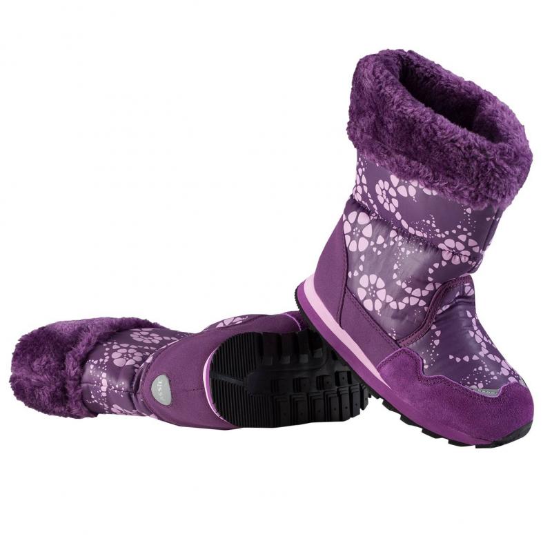 СапогиФиолетовыесапоги марки LASSIE для девочек. Утепленные ветрозащитные сапоги фиолетовогоцвета с принтом. Сапоги без застежек удобно надевать и снимать. Подкладкавыполнена из искусственного меха. Легкая и амортизирующая подошва из вспененного каучука и резины обеспечивает комфортную носку. Есть светоотражающие детали для безопасности ребенка.<br><br>Размер: 26<br>Цвет: Фиолетовый<br>Пол: Для девочки<br>Артикул: 603938<br>Страна производитель: Китай<br>Сезон: Осень/Зима<br>Материал верха: Полиэстер, Полиуретан<br>Материал подкладки: Текстиль<br>Материал стельки: Текстиль<br>Материал подошвы: ЭВА (каучук) / Резина<br>Бренд: Финляндия<br>Температура: до -20°