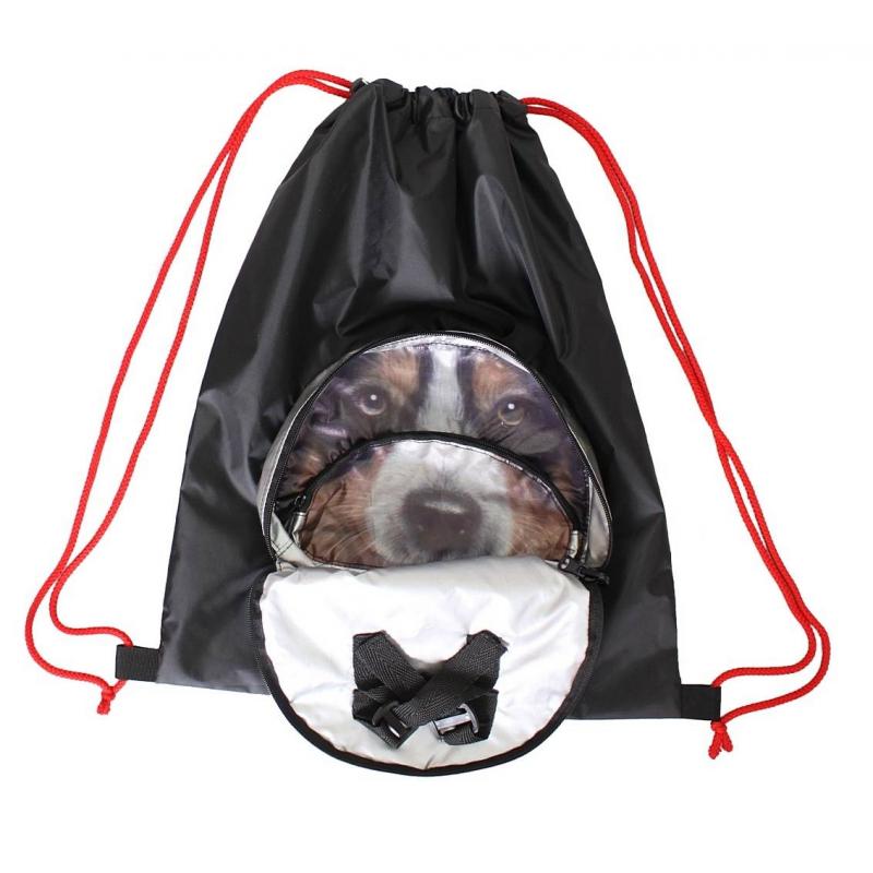 Мешок-рюкзак складной СобакаМешок-рюкзак складной Собака черного цвета маркиRT.<br>Волшебный складной мешок-рюкзак превращается в сумку, похожую на голову животного. Маленькая сумка раскрывается и превращается в большой мешок с лямками для плеч.<br>Идеально подходит для использования в качестве сменки или всего, чего так хочется носить в рюкзаке за плечами. Мешок очень легкий и благодаря липучкам крепится на любой самокат или велосипед.<br>Мешок выполнен из плотной плащевой ткани с водоотталкивающей пропиткой OXFORD 400 черного цвета. Очень прочный и надежный материал чехла прослужит вам долго. Благодаря прочным веревкам его можно носить за спиной как рюкзак. С помощью 2-х карабинов Вы сможете открывать и затягивать мешок. На мешке продуман большой и удобный карман с логотипом RT на прочной молнии. А внутри этого кармана - карман на молнии меньшего размера.<br>Размер: 45х36 см;<br>Размер в сложенном виде: 18х22х3 см;<br>Вес: 0,2.<br><br>Цвет: Черный<br>Пол: Не указан<br>Артикул: 650804<br>Бренд: Россия<br>Страна производитель: Китай<br>Размер: Без размера