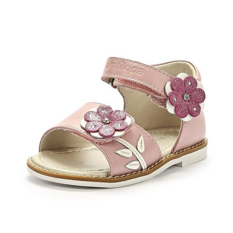 Открытые сандалииДетские сандалии от бренда Antilopa розового цвета. Модель выполнена из натуральной кожи и дополнена застежками на липучках. Объемные цветочки дополняют образ.<br><br>Размер: 23<br>Цвет: Розовый<br>Пол: Для девочки<br>Артикул: 000132<br>Страна производитель: Китай<br>Сезон: Весна/Лето<br>Материал верха: Натуральная кожа<br>Материал подкладки: Натуральная кожа<br>Материал стельки: Натуральная кожа<br>Материал подошвы: Резина<br>Коллекция: Весна/Лето 2014