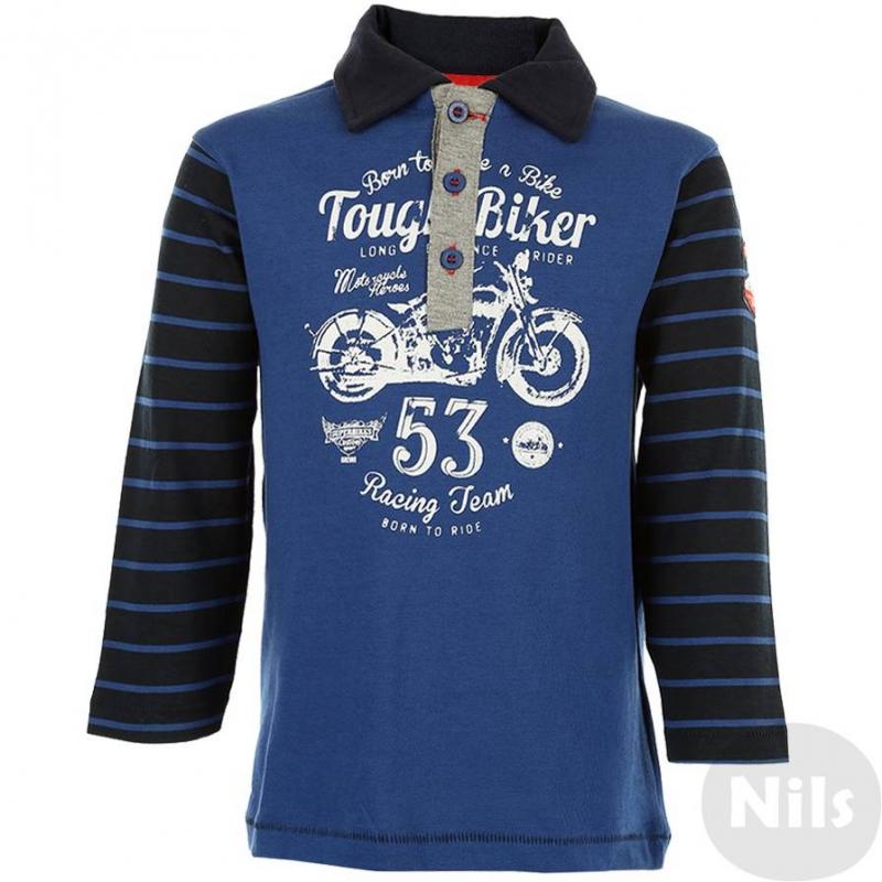Рубашка-полоСиняя рубашка-поло марки BLUE SEVEN для мальчиков. Рубашка с длинным рукавом выполнена из стопроцентного хлопкового трикотажа. Воротничок и рукаватемно-синего цвета, планка застежки - серого. Рубашка украшена нашивками на рукаве и принтами в байкерском стиле спереди и на спине. Рубашка застегивается на три пуговицы.<br><br>Размер: 2 года<br>Цвет: Синий<br>Рост: 92<br>Пол: Для мальчика<br>Артикул: 602465<br>Страна производитель: Бангладеш<br>Сезон: Всесезонный<br>Состав: 100% Хлопок<br>Бренд: Германия<br>Вид застежки: Пуговицы