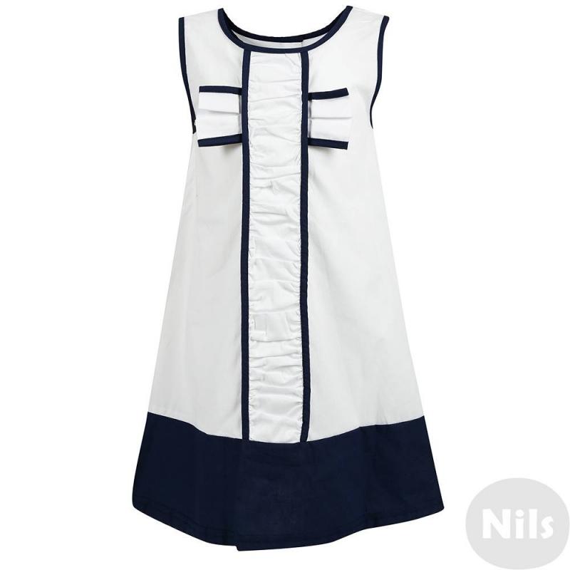 ПлатьеПлатье без рукавов марки LP Collection белого цвета с темно-синей отделкой. Платье выполнено из хлопка, украшено декоративной планкой спереди и бантом на груди. Платье застегивается на пуговицы на спинке.<br><br>Размер: 4 года<br>Цвет: Белый<br>Рост: 104<br>Пол: Для девочки<br>Артикул: 607392<br>Страна производитель: Таиланд<br>Сезон: Весна/Лето<br>Состав: 100% Хлопок<br>Бренд: Таиланд<br>Вид застежки: Пуговицы